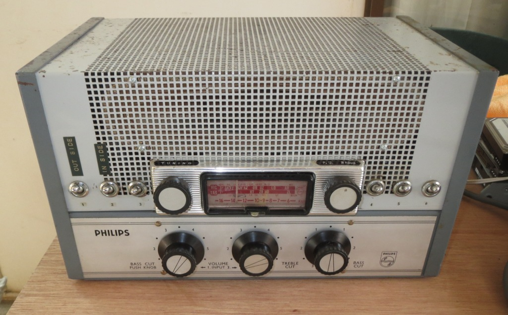 Philips 4435A Radio Late 1960's Ex Country School SA 30w Via 2 x 6CM5